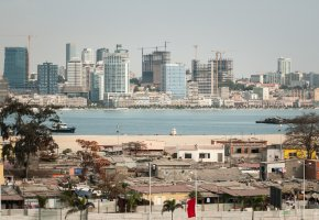 <a href='http://www.angolaimagebank.com' target='_blank'>Angola Image Bank</a>: