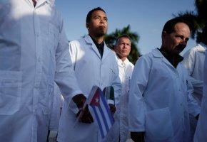 Contratação de médicos cubanos custou quase 80 milhões de dólares a Angola