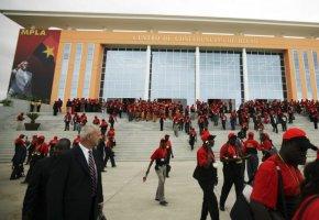 """MPLA anuncia congresso extraordinário para """"resolver"""" liderança do partido"""