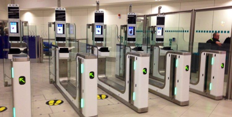 Aeroporto De Luanda Passa A Aceitar Passaporte Electr 243 Nico