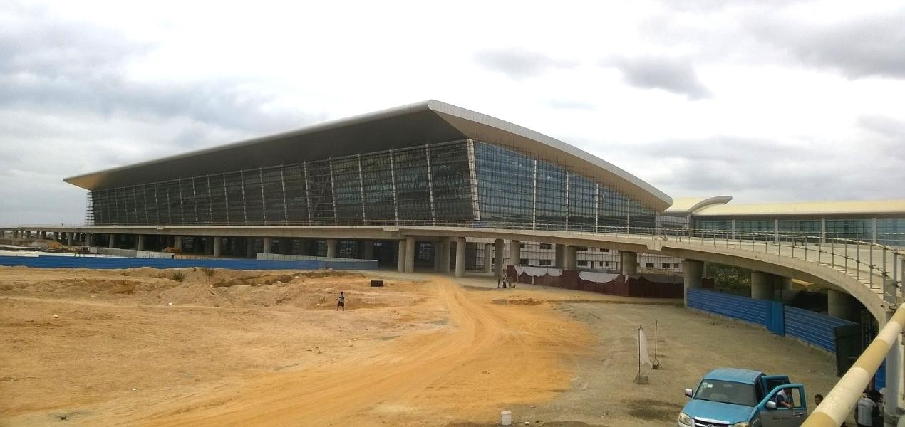 Aeroporto Luanda Chegadas : Factura do novo aeroporto de luanda já vai nos mil